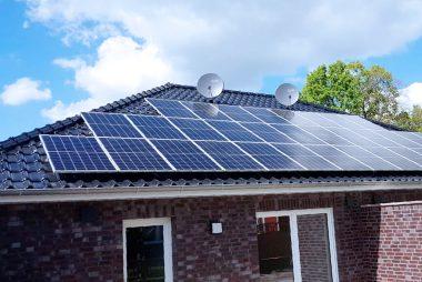 2x 5,61 kWp in Süd-Ostausrichtung in 26683 Saterland (Bollingen)